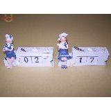 Календарь мальчик/девочка кубики (дерево) 16*11 см